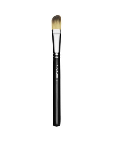 MAC 193 Angled Foundation Brush
