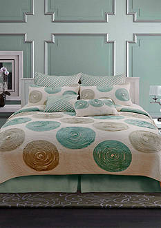 Nostalgia Home Fashions MADISON QUILT