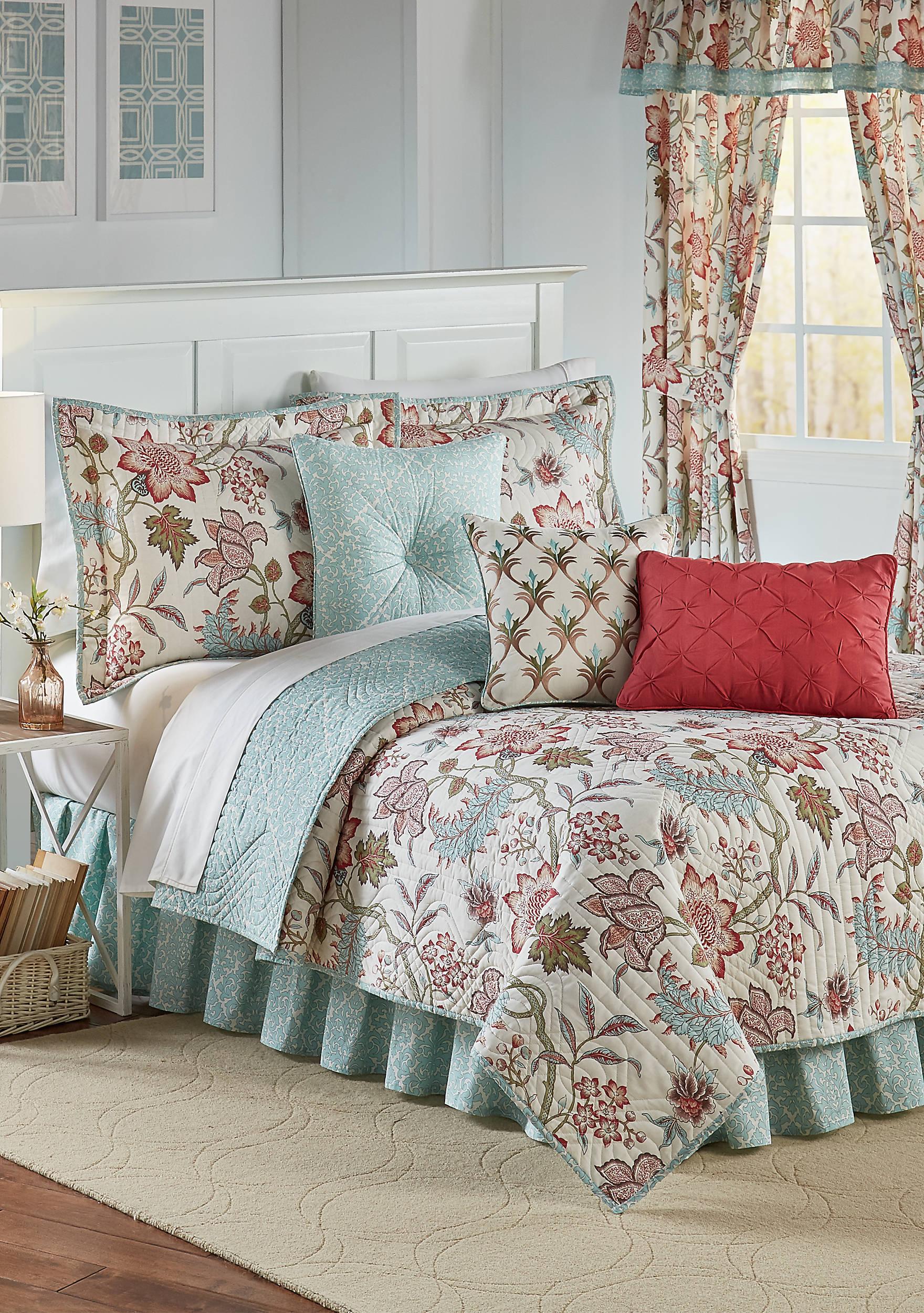 Pink bed sheet design - Jacobean Flair Quilt Set