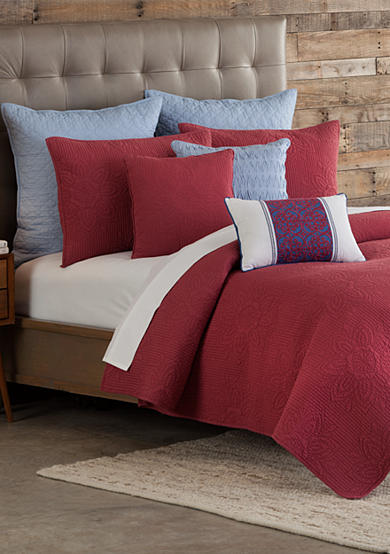 Home Accents® Casual Living Mandala Nantucket Red Quilt