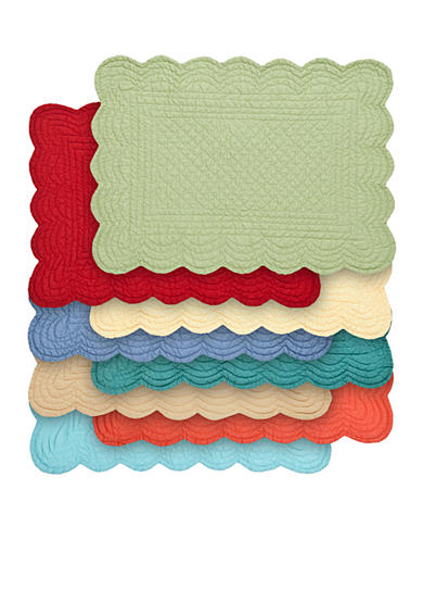C&F Quilted Scalloped Placemat