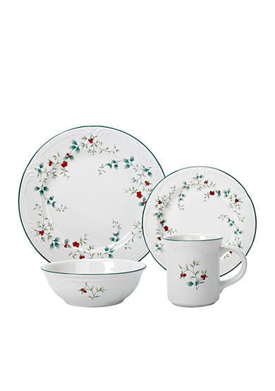 Pfaltzgraff Winterberry 16 Piece Dinnerware Set