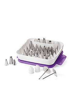 Wilton Bakeware Master Decorating Tip Set