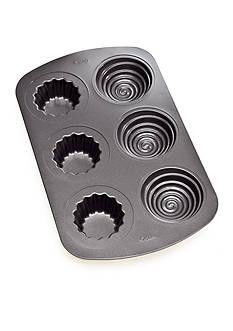 Wilton Bakeware 6 Cavity 3-D Cupcake Pan