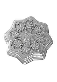 Nordic Ware Sweet Snowflakes Shortbread Pan
