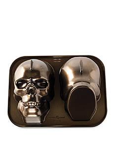 Nordic Ware Haunted Skull Pan
