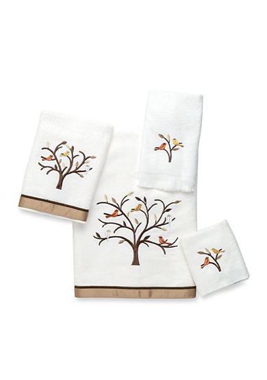 Avanti Friendly Gathering White Bath Towel Collection