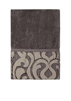 J Queen New York Luxembourg Bath Towel