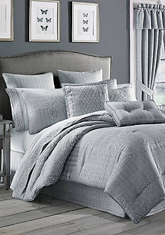 J Queen New York Wilmington Comforter Set