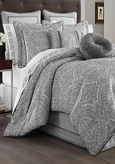 J Queen New York Colette Comforter Set