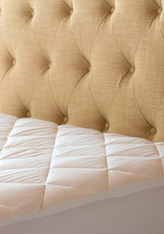 Sealy® Posturepedic 300 Thread Count Egyptian Cotton Waterproof Pad