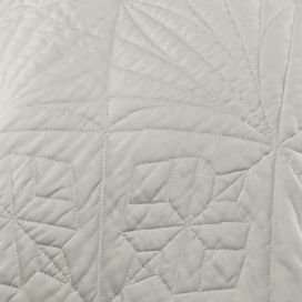 Quilts: White Waterford LISMORE KG QLT SAGE