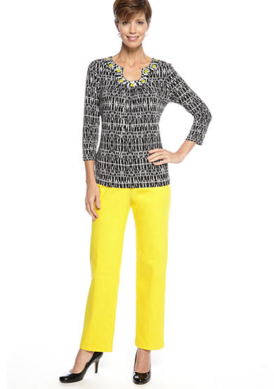 Ruby Rd Sunshine State Embellished Keyhole Linear Ethnic Print Knit Top and Sunshine State Classic Side Elastic Colored Denim