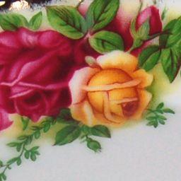 Fine China: Rose/Wb Royal Albert OCR SALAD