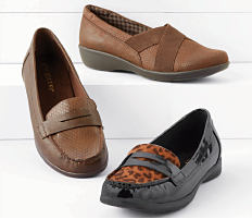 An assortment of women's flats in a variety of colors & styles. Shop shoes.