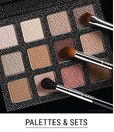 An eye shadow palette with 3 makeup brushes. Shop palettes & sets.
