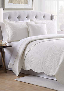 Modern. Southern. Home.™ Scalloped Tiles Quilt Collection