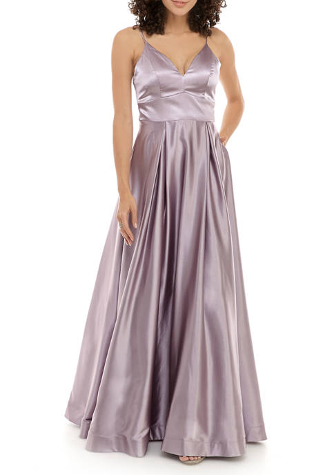 sequin hearts Womens Sleeveless V Neck Gown