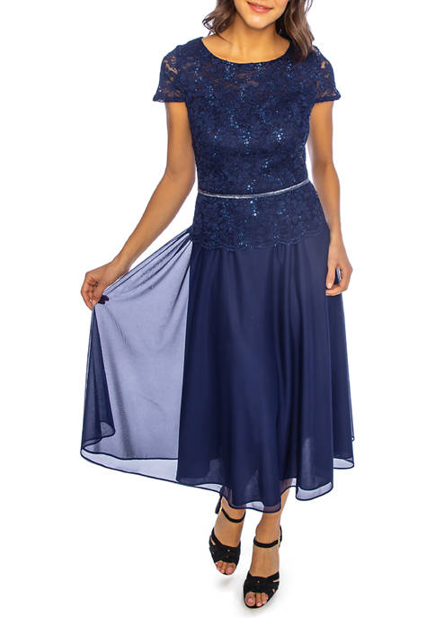 Womens Short Sleeve Embroidered Lace  Gown