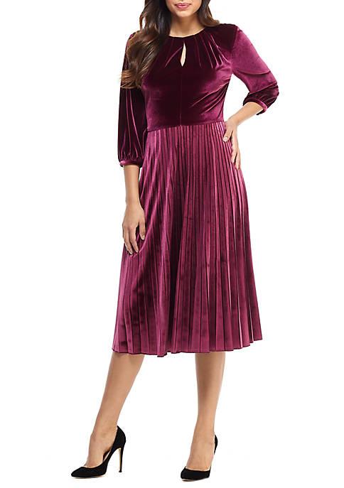 Maggy London Womens Long Sleeve Velvet Pleat Dress