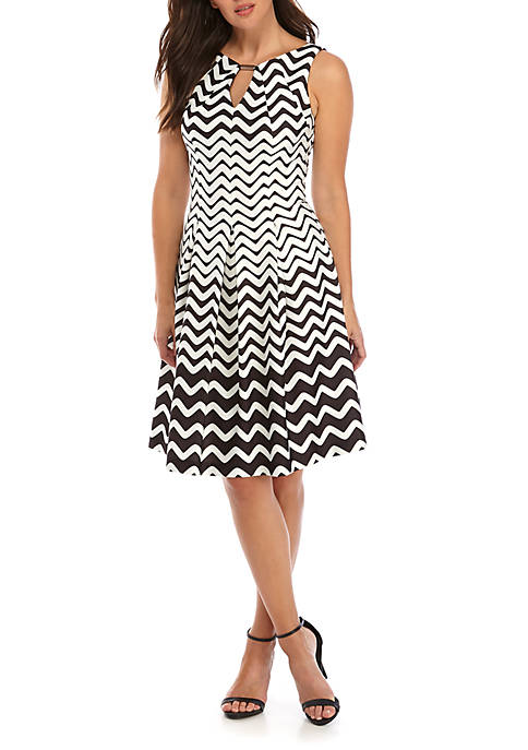Gabby Skye Sleeveless Printed Scuba Dress