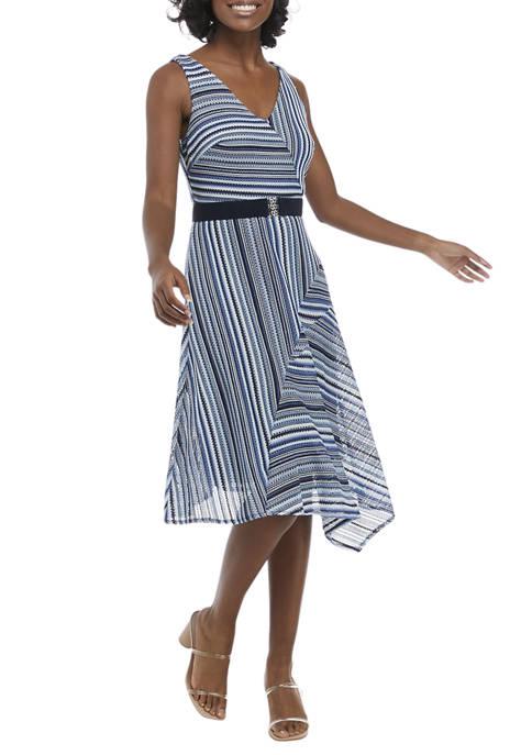 Gabby Skye Sleeveless Belted V-Neck Striped Dress