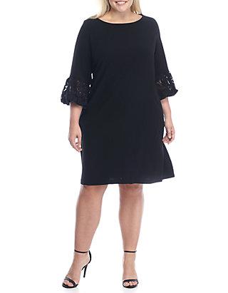 Plus Size Lace Puff Sleeve Trapeze Dress