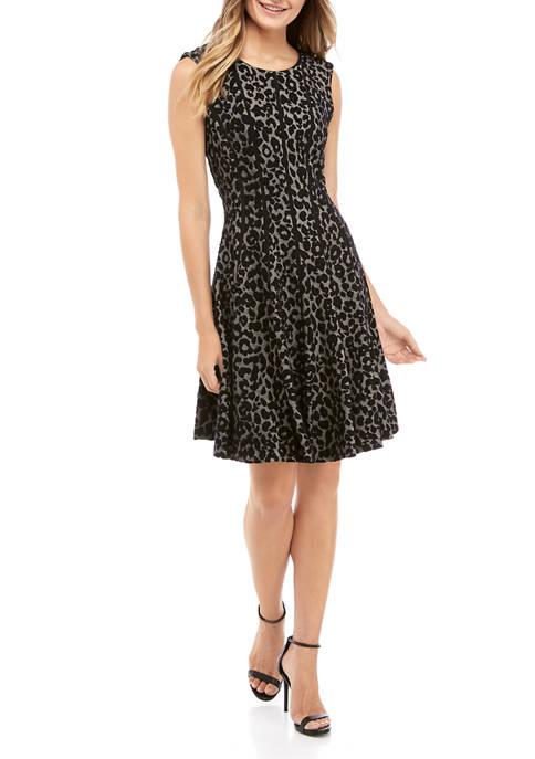Gabby Skye Womens Sleeveless Leopard Jacquard Dress