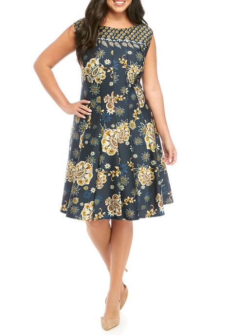 Gabby Skye Plus Size Print Scuba Dress