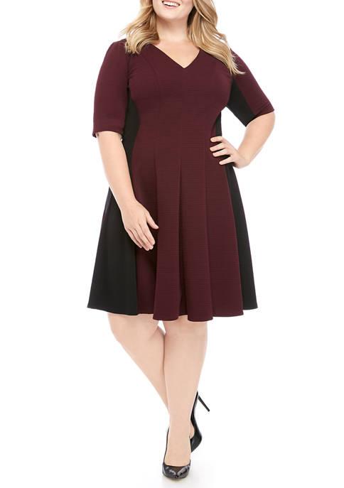 Gabby Skye Plus Size Color Block V Neck