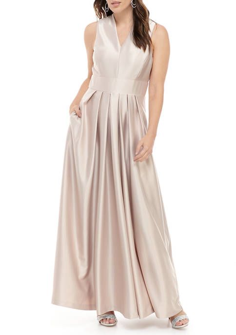Gabby Skye Occasion Womens Sleeveless Stretch Satin Gown