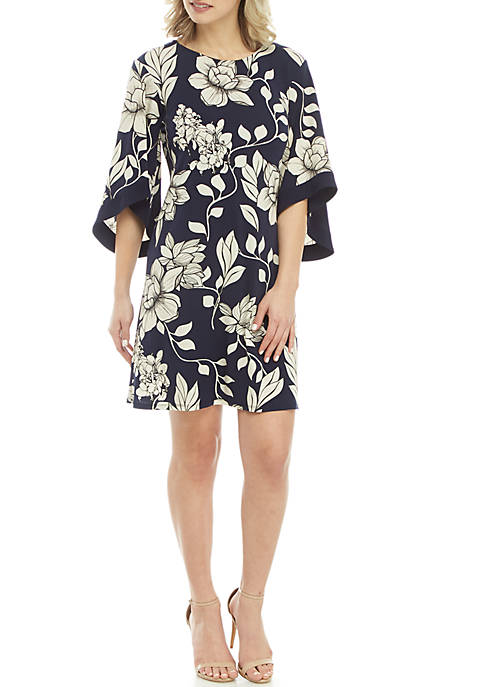 IVY ROAD 3/4 Flare Sleeve Floral Print Dress