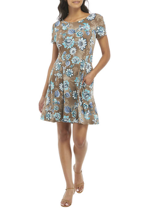 Connected Apparel Womens Short Sleeve Floral Fit and