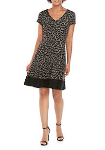 Connected Apparel Short Sleeve V Neck Animal Houndstooth Fit and Flare Dress