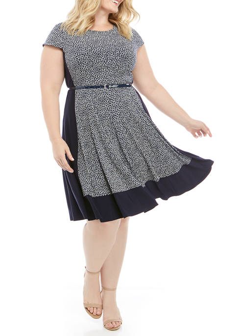 Plus Size Cap Sleeve Puff Knit Dress with Belt