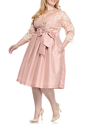 Plus Size Lace Top Three-Quarter Sleeve Dress