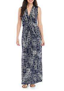 Jessica Howard Sleeveless V Neck Dot Dress