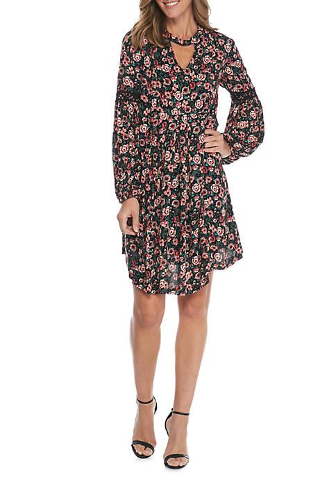 Gigi V-Neck Floral Printed Pleated Dress