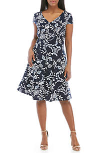 Sandra Darren Plus Size Floral Fit and Flare Dress