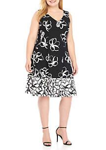 Plus Size Sleeveless V-Neck Floral Dress