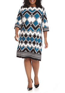 Plus Size Three-Quarter Sleeve Tri-Color Zig Zag Sheath Day Dress