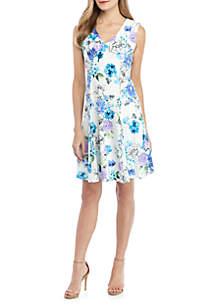 Sandra Darren Sleeveless V Neck Textured Printed Knit Dress