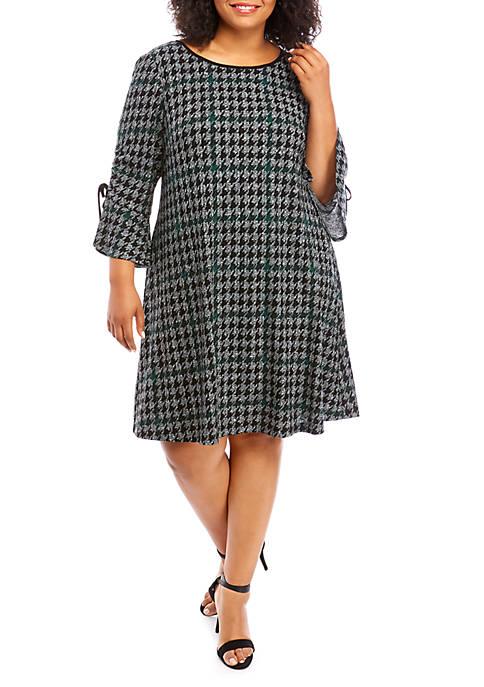 Sandra Darren Plus Size Long Ruffle Sleeve Houndstooth