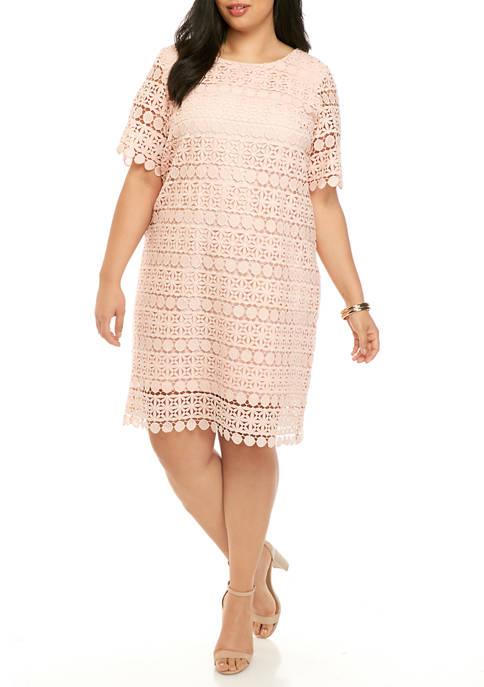 Plus Size Elbow Sleeve Circle Lace Sheath Dress