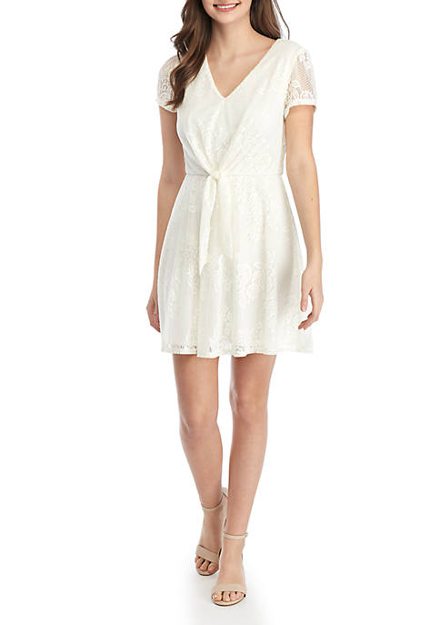 As U Wish Short Sleeve Knot Front Lace