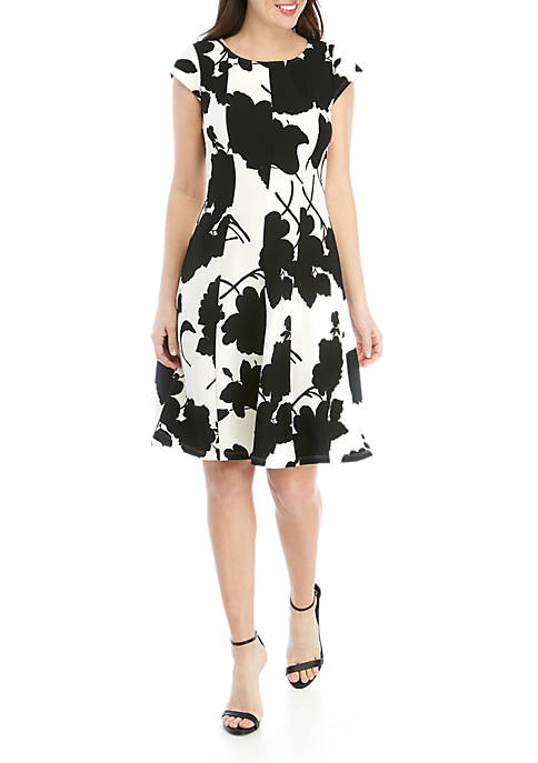 Robbie Bee Floral Fit and Flare Textured Knit