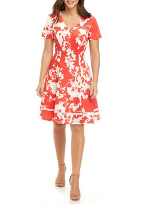 Robbie Bee Women's Short Sleeve V Neck Floral Fit And Flare Dress Red/white rHaz5