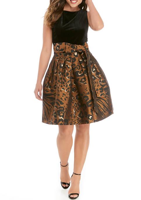 Womens Sleeveless Velvet Jacquard Fit and Flare Dress