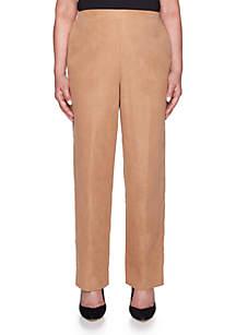 Petite News Flash Proportioned Short Pant