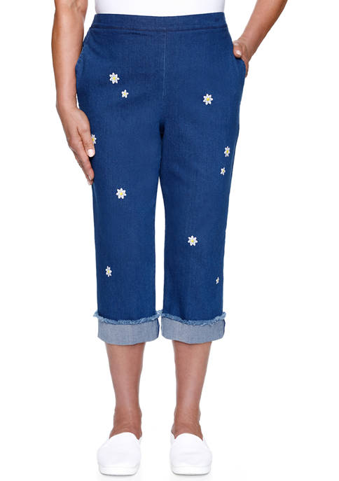 Alfred Dunner Womens Lazy Daisy Embroidered Capris